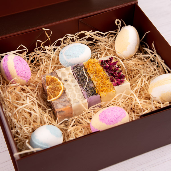 5 Soap and Easter Bath Bomb Luxury Easter Hamper